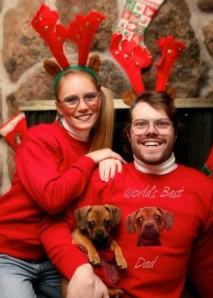 funny-christmas-cards-dog-family-photo